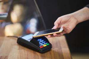 UK shoppers at risk of losing £1.76mn through phone theft