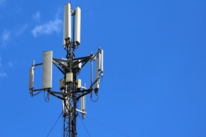 Study links belief in 5G COVID-19 conspiracy theories to violence